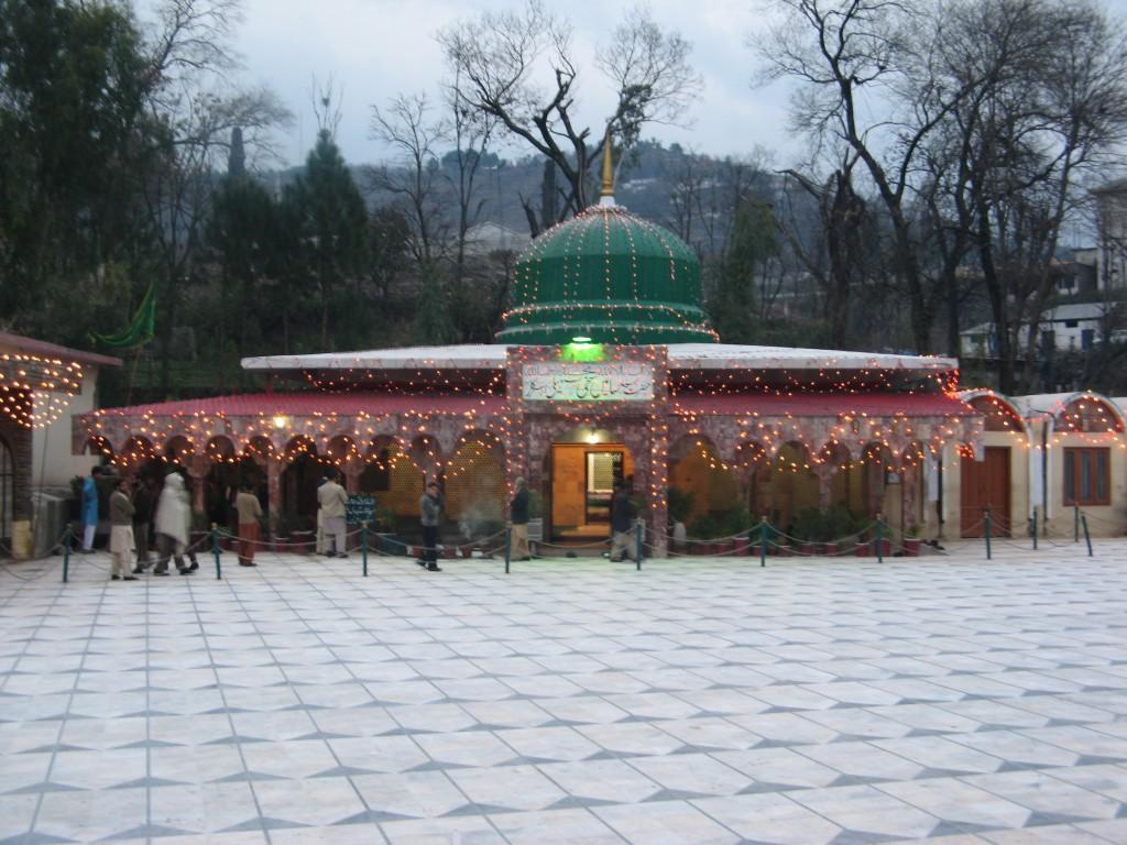 RELIGIOUS-TOURISM-IN-AZAD-JAMMU-&-KASHMIR,Hazrat-Sayin-Sakhi-Saheli-Sarkar -darbaar-muzaffarabad