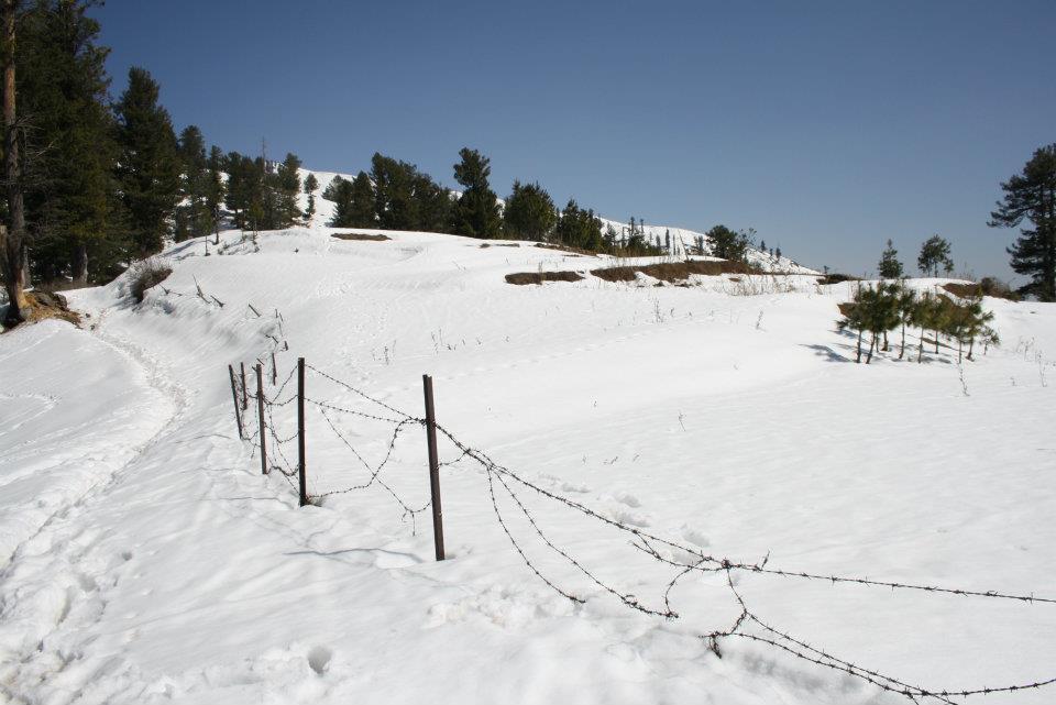 Snow-fall-in-sudhan-gali