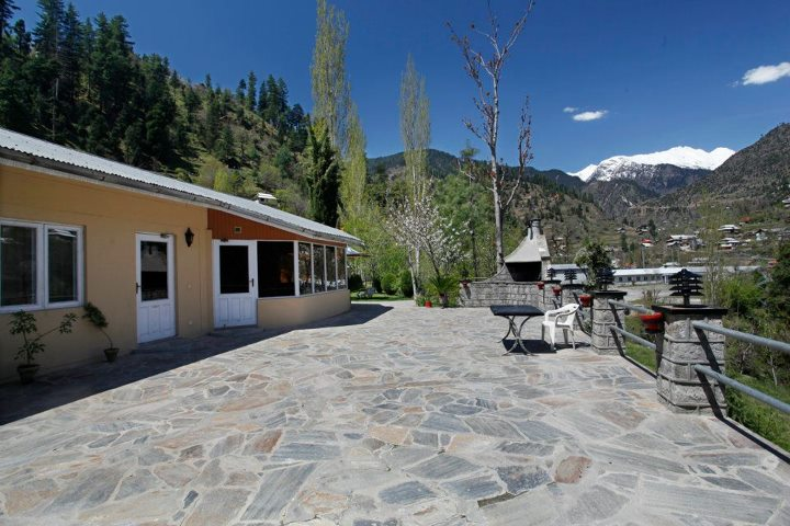 Jagran_Kutton_Resort_Exterior_Neelum_Valley2
