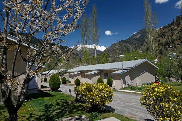 Jagran_Kutton_Resort_Exterior_Neelum_Valley33