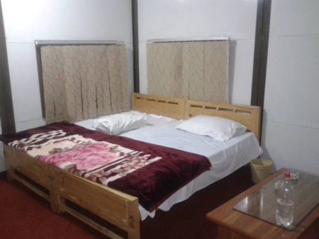 Picture-of-Rooms-in-Dreamland-hotel-shahkot-NeelumValley12