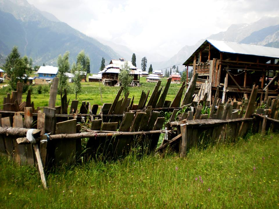 Musk-Deer-Resort-Arrang-Kel-Neelum-Valley-Azad-kashmir-scenery