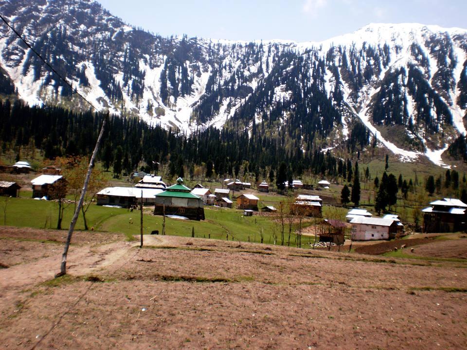 Musk-Deer-Resort-Arrang-Kel-Neelum-Valley-Azad-kashmir-scenery4