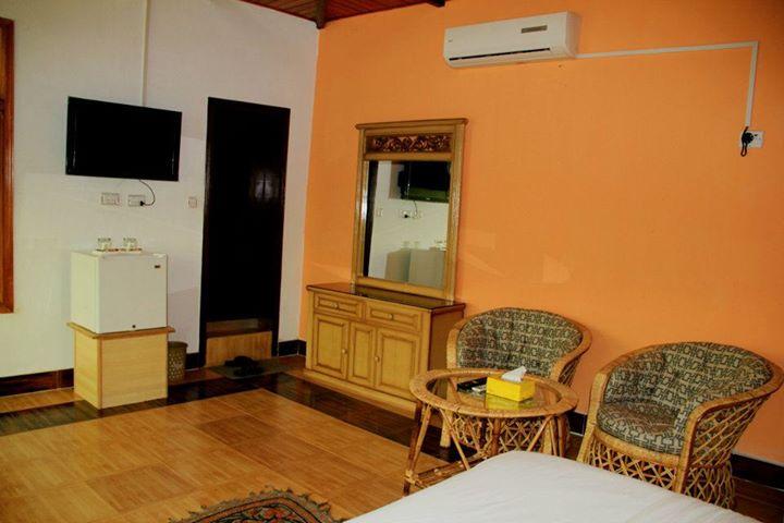muzaffarbad_rooftop_room3