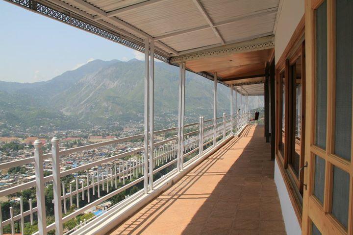 muzaffarbad_rooftop_room4