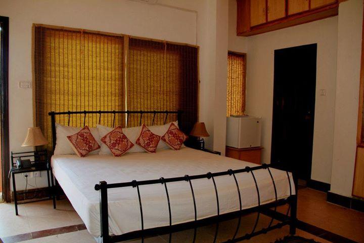 muzaffarbad_rooftop_room9