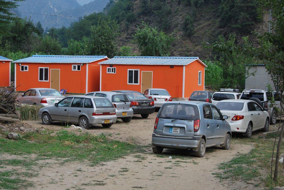 state-continental-guest-house-kutton-resort-hotel-neelum-valley-parking2