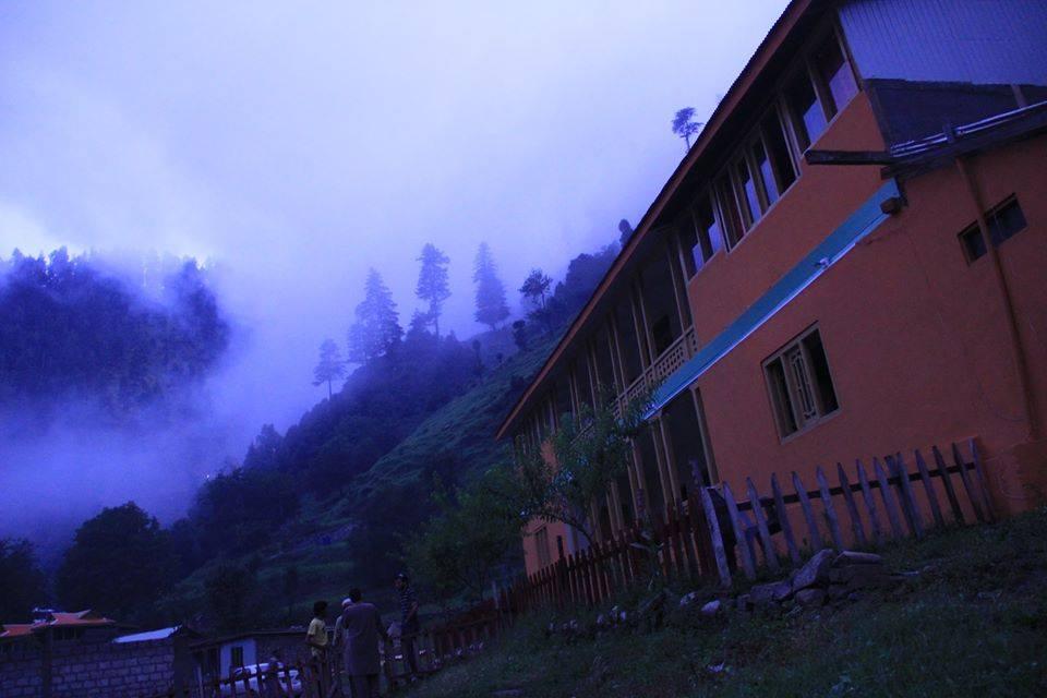 Poshmaal-guest-house-keran-neelum-valley-exterior
