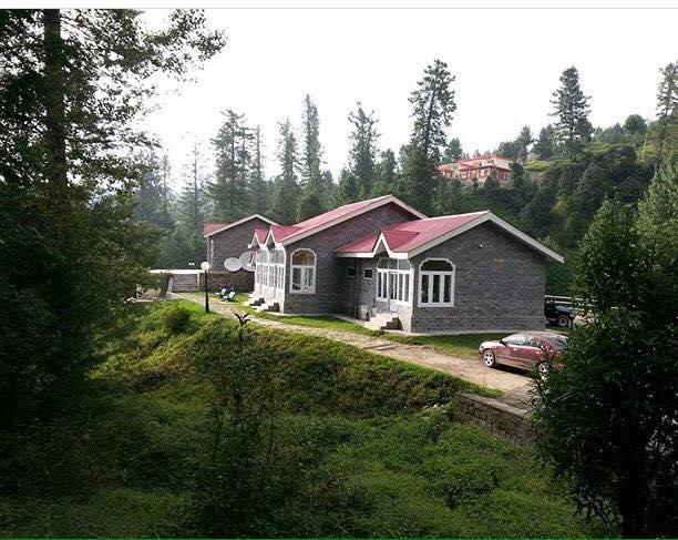 Hotels on Banjosa Lake Rawalakot (Banjosa Lake Guest Houses )