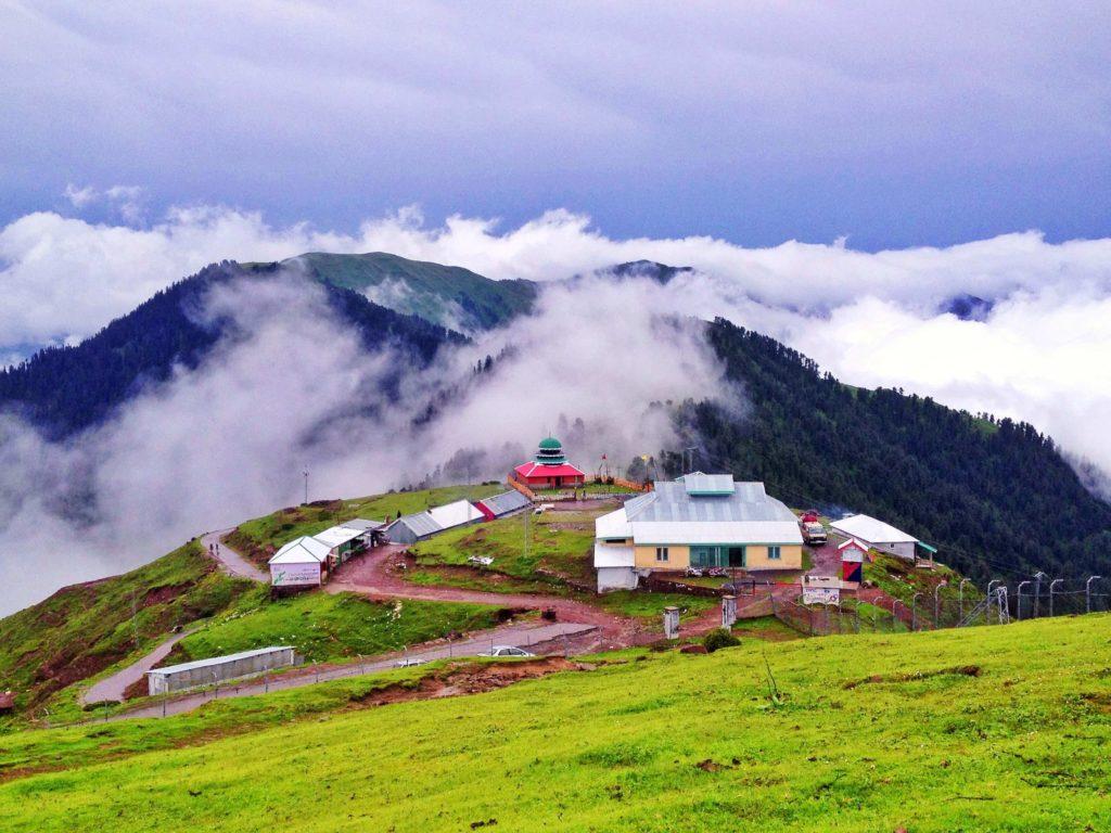 places-to-visit-in-Muzaffarabad-pir-chinasi