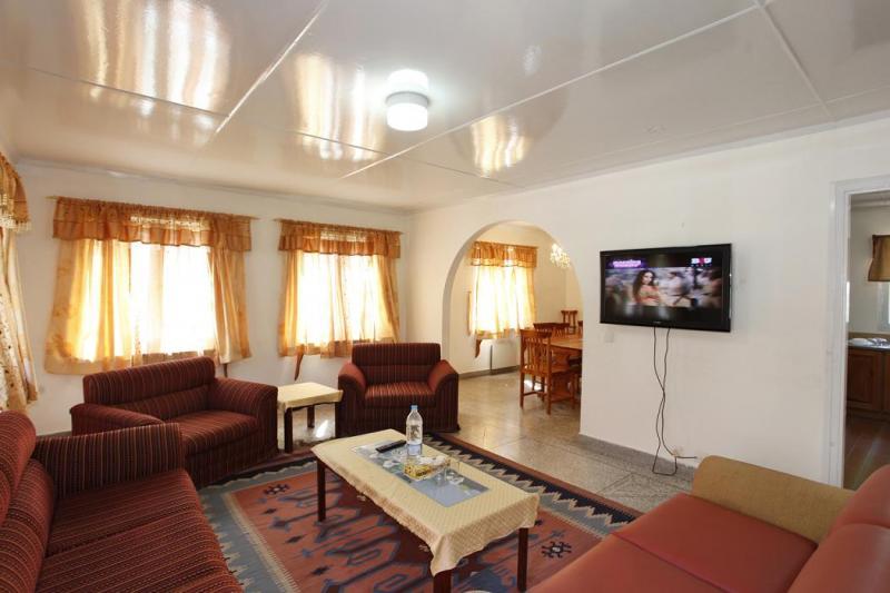 Family_Suit_Jagran_Kutton_Resort_Exterior_Neelum_Valley2
