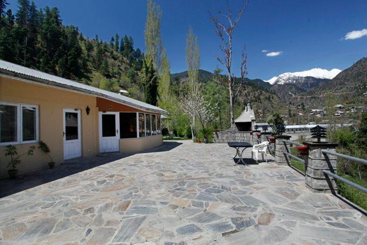 Jagran_Kutton_Resort_Exterior_Neelum_Valley2
