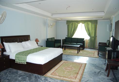 Gulf-palace-hotel-rawalakot-Deluxe-room