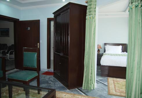 Gulf-palace-hotel-rawalakot-executive-room