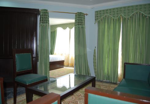 Gulf-palace-hotel-rawalakot-suite-room