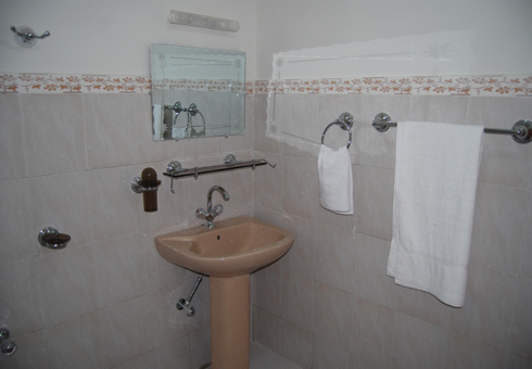 Gulf-palace-hotel-rawalakot-wash-room