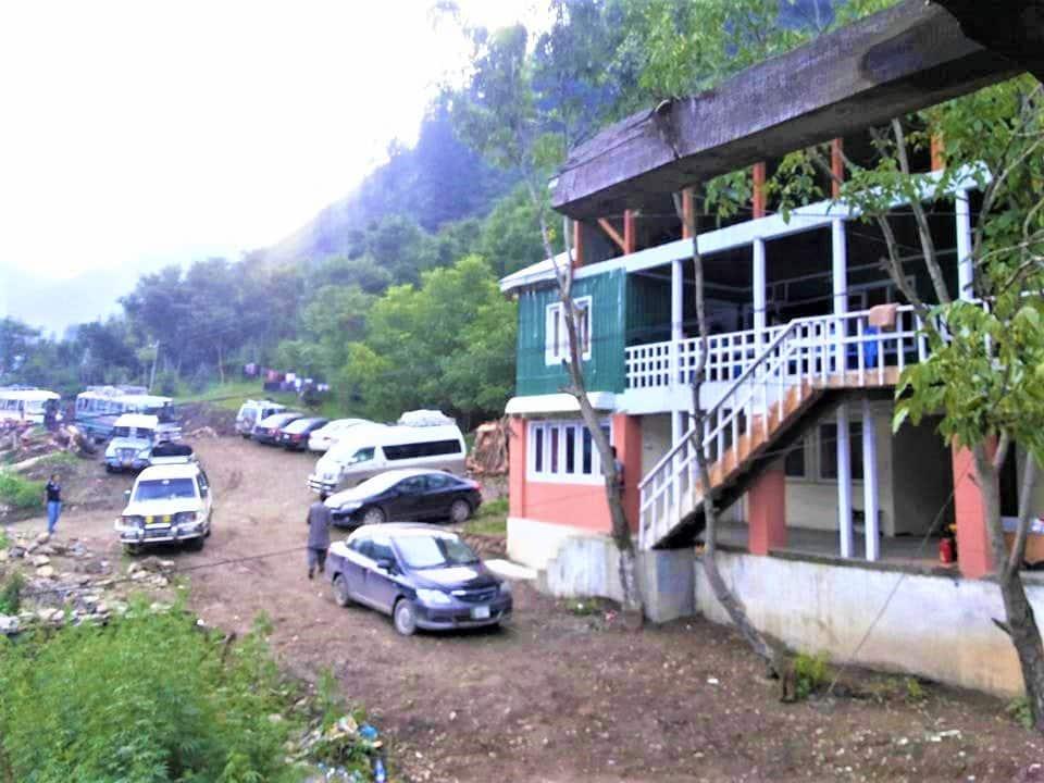 Kashmir Lodges Sharda