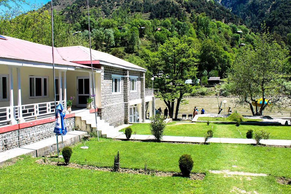PTDC-Tourists-Lodges-Keran-Tourism-Exterior-Guest-House-river-side-view