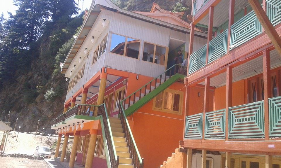 1473103572_Neelum-star-guest-house-Sharda-Exterior-View