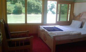 1473103631_Neelum-star-guest-house-Sharda-Deluxe-room