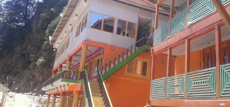 Neelum-star-guest-house-Sharda-Exterior-View