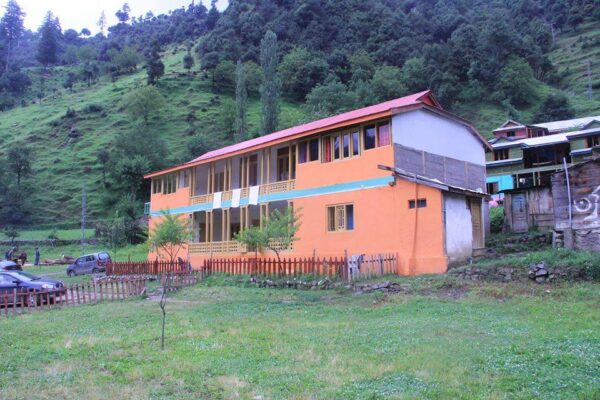 Poshmaal-guest-house-keran-neelum-valley
