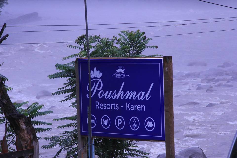 Poshmaal-guest-house-keran-neelum-valley-river-view