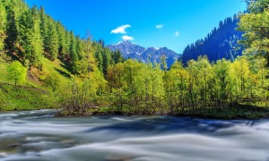 Cheap-Tour--package-by-Travel-agency-to-Neelum-Valley