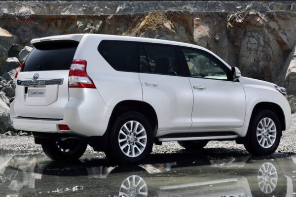 Book rent a car in Gilgit
