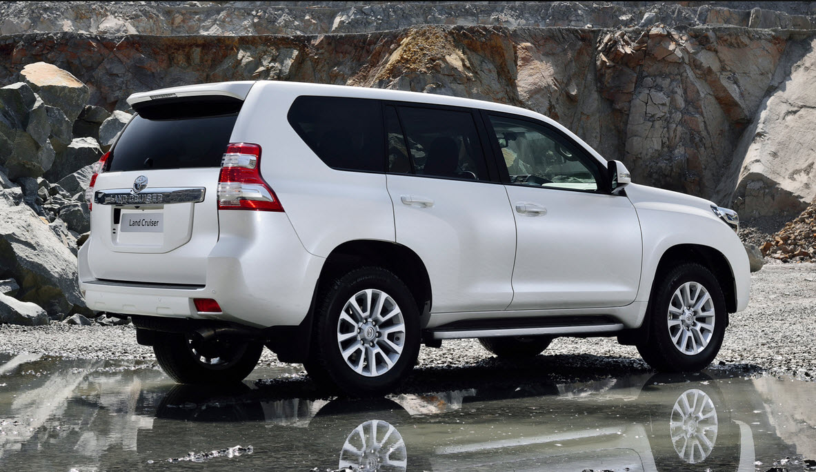 Rent a car in Hunza and Gilgit