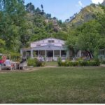Places-To-Visit-in-Swat-white-palace-marghzar-min