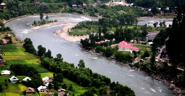 Places-to-visit-in-Neelum_Valley_Keran-min