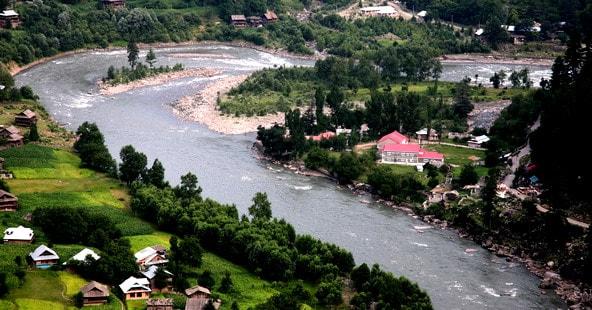 Places-to-visit-in-Neelum_Valley_Keran-min