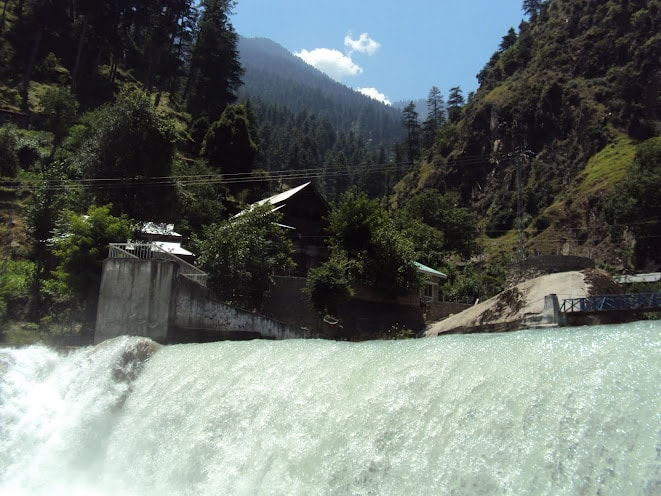 Places-to-visit-in-Neelum_Valley_kutton-waterfalls-min