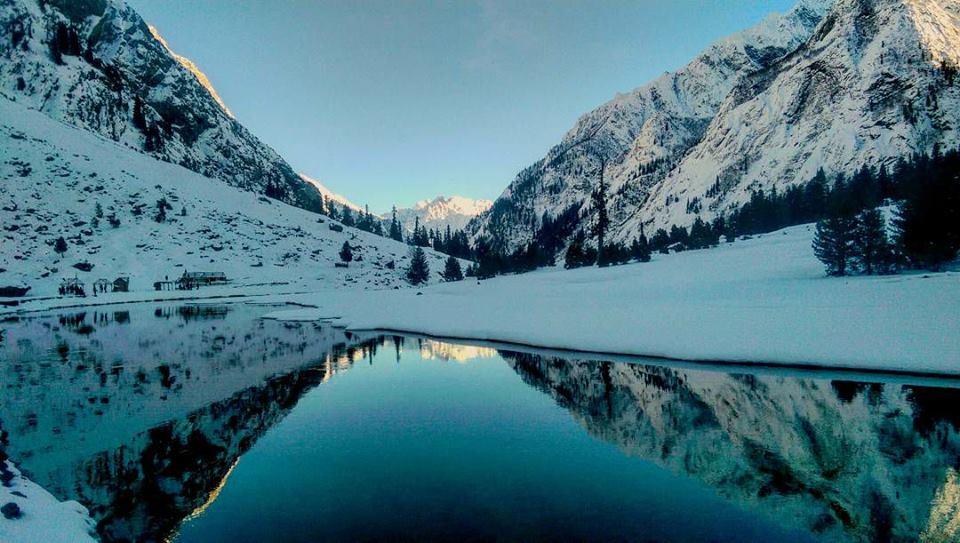 mahodand-Lake-Swat-in-winters