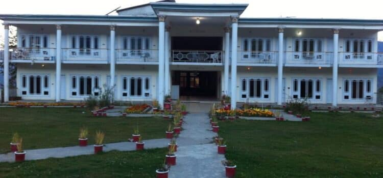 hill top hotel shogran