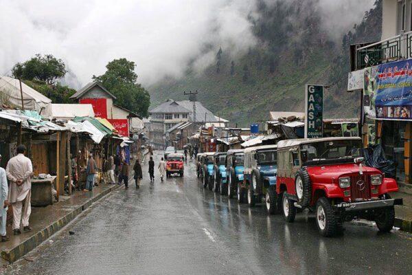 naran-kaghan-jeeps2