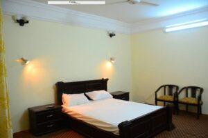 1453362421_Tibet-Motel-Shangrilla-lake-bed-room-