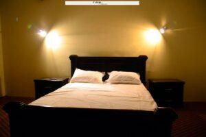 1453362421_Tibet-Motel-Shangrilla-lake-bed-room