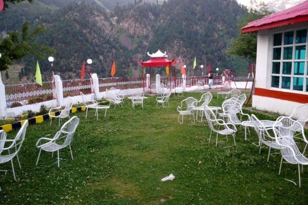 Golden-Star-Hotel-Kalam-garden-1