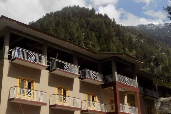1559112759_Shangrila-Sharda-Resort-Neelum-Valley