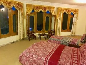 AL-KHALEEJ-FAMILY-ROOM-3-BEDS-01-300x225