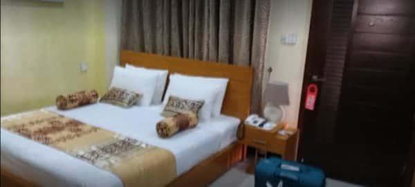 Burj Al Swat Master Bed