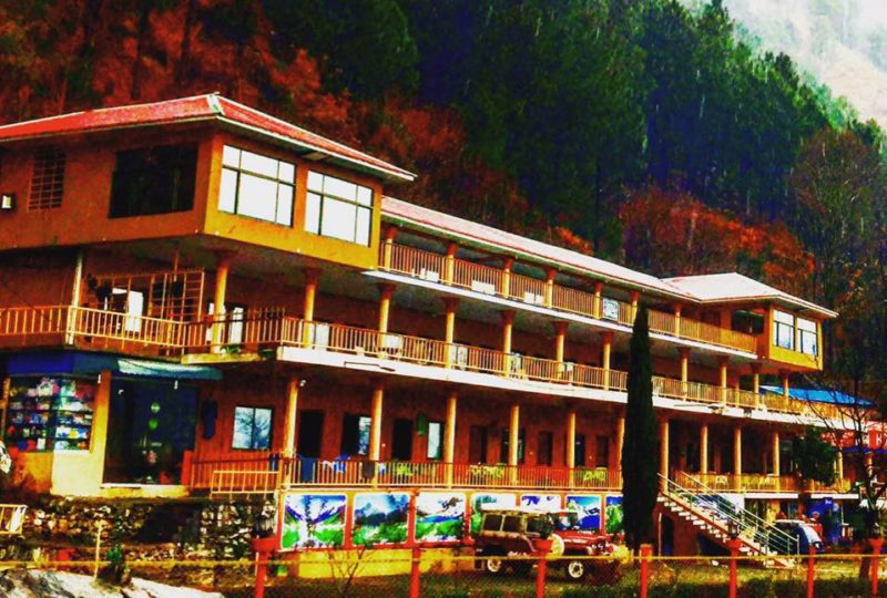 Hotel-Pine-Track-Green-Food-Hut-Balakot-1