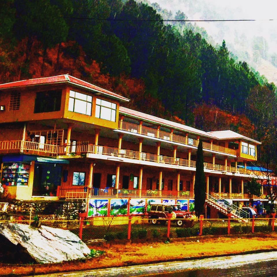 Pine Track Hotel Balakot - AJKTOURS