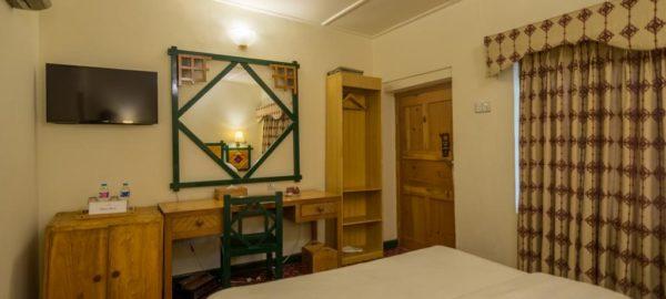 Hunza Serena Inn Room2