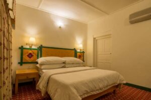 Hunza Serena Inn Room4
