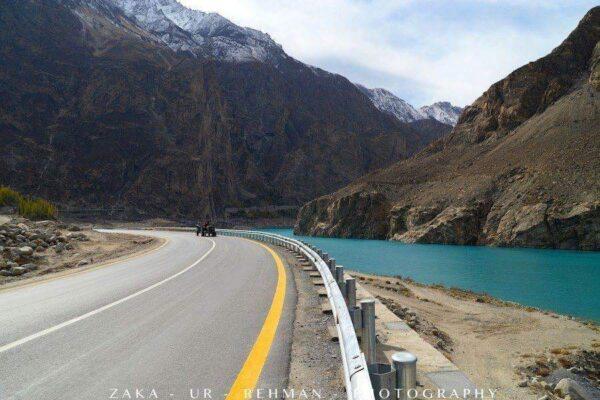 Karakarom-Highway-and-Attabad-Lake-Hunza