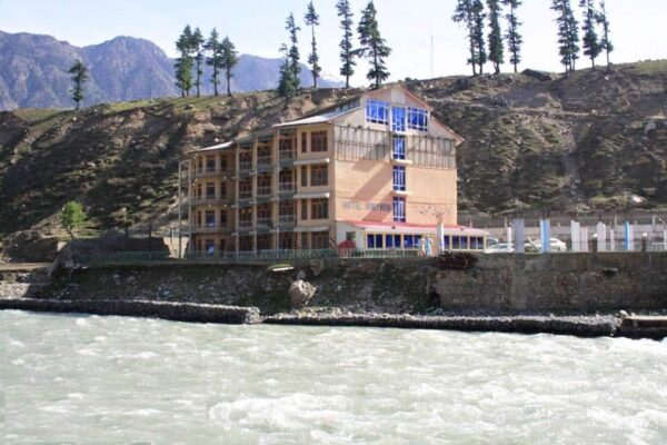 New-Honey-moon-hotel-kalam-exterior2