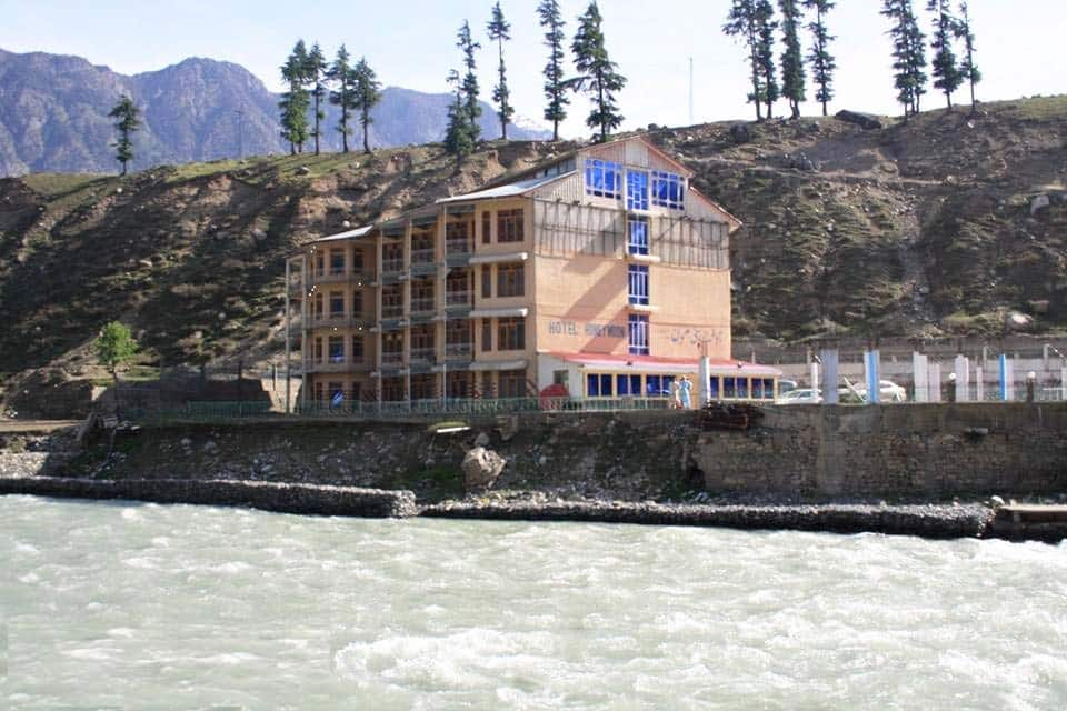 New-Honey-moon-hotel-kalam-exterior2
